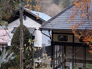 作家・井上靖の手紙が紹介される